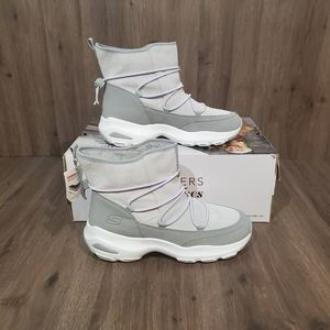 NEW Skechers D'lite Ultra Chaser Toasty Shoes